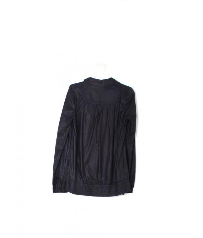 camisa manga larga negra espalda