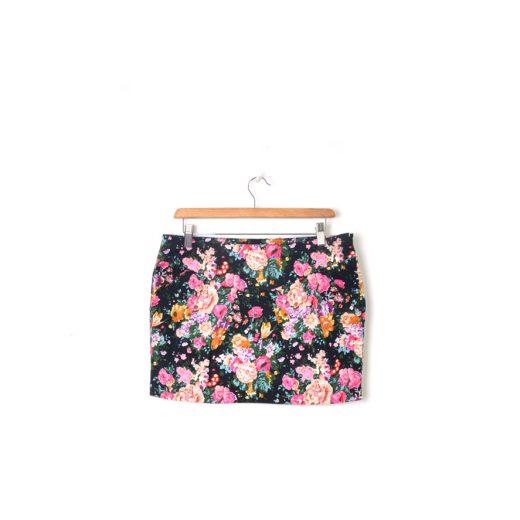 minifalda negra flores Mango