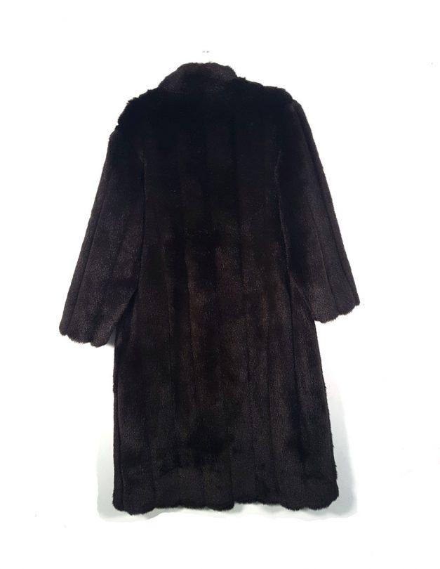 abrigo pelo sintético marrón largo espalda