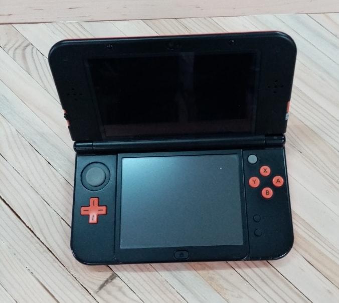 NEW Nintendo 3DS XL interior