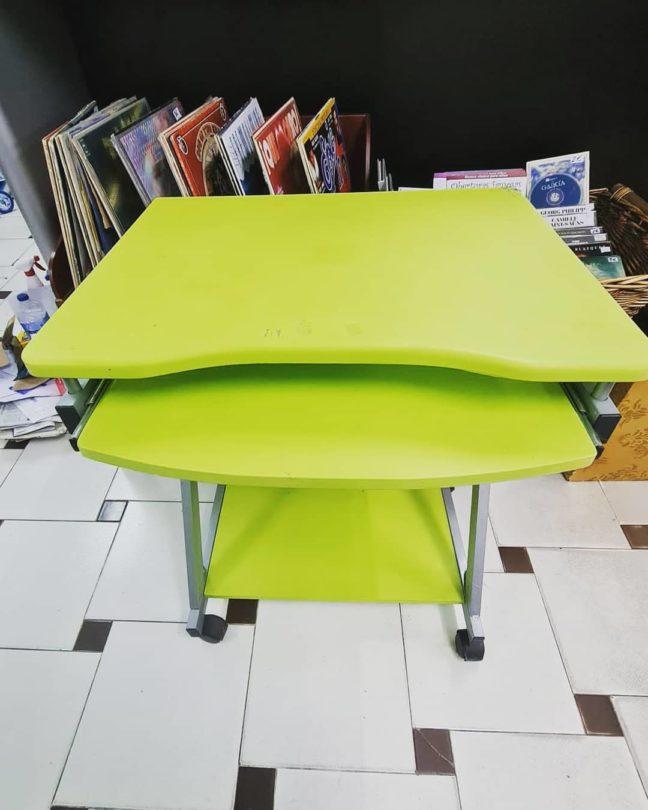Mesa con Bandeja Extraíble