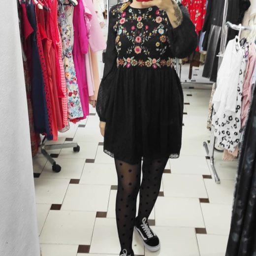 Vestido negro flores ZARA