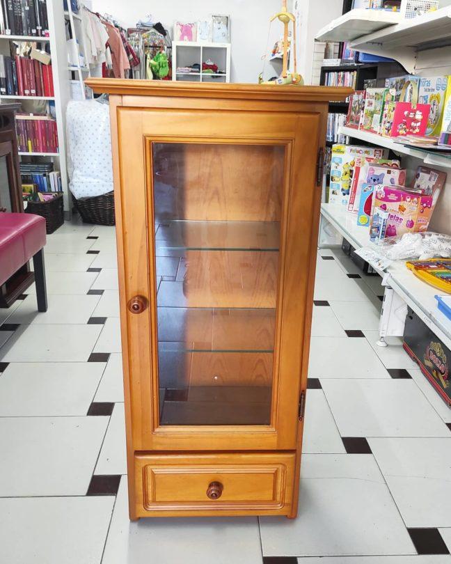 Mueble Auxiliar de Madera Clara