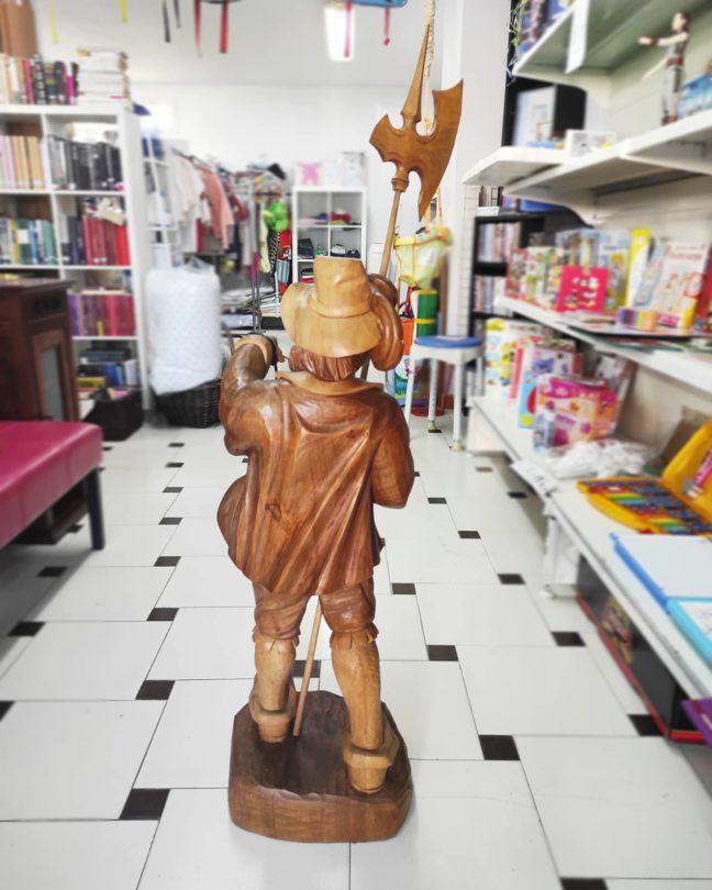 Escultura Madera Tallada